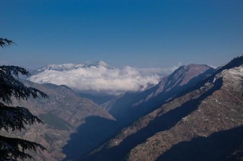 Wintertime. Tirthan valley.