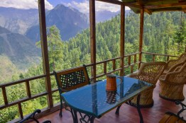 tirthan-valley-stay-eagle-nest-63