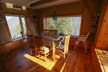 tirthan-valley-stay-eagle-nest-91